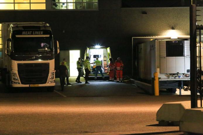 Een persoon raakte ernstig gewond bij een bedrijfsongeval in Helmond.