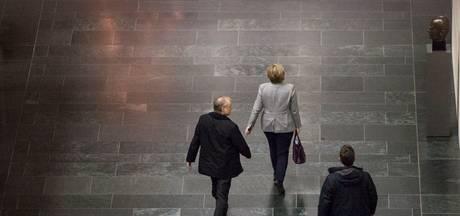 Aftastend gesprek Merkel, Schulz en Seehofer om coalitie Duitsland
