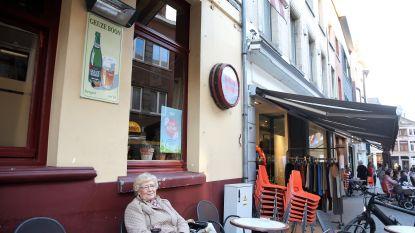 Diefstallenplaag van reclameborden brouwerij Boon: al tiental platen van cafégevels gerukt