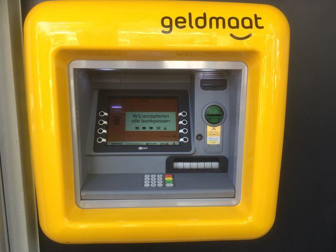 Door de komst van de pinautomaten van Geldmaat neemt het aantal bezoekers van kantoren van de Rabobank waarschijnlijk verder af. Deze geldautomaten mogen niet in de bank zelf hangen.