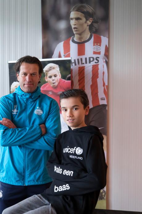 Noah (11) even de baas bij PSV: 'Ik wist niet dat het zo groot en mooi was'