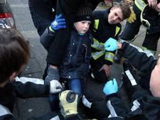 Haarense brandweer bevrijdt vierjarige Niels na val met fiets