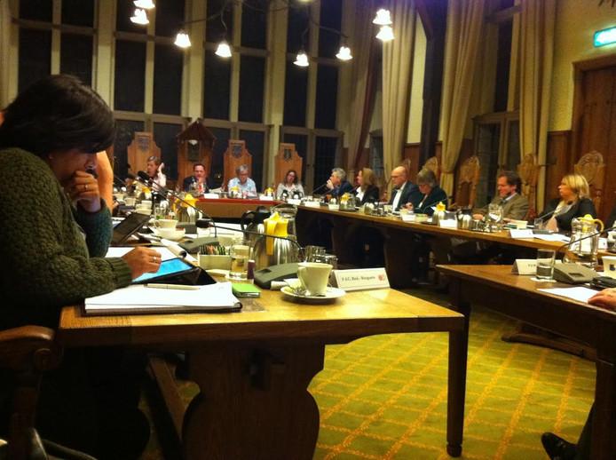 De raad in Vught moest woensdagavond knopen doorhakken over de toekomst van het spoor en de N65.