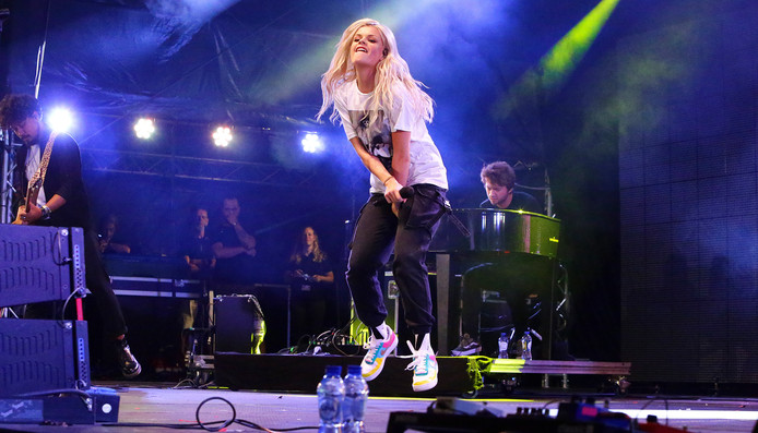 Eén van de namen op woensdagavond was zangeres Davina Michelle. Zij gaf een optreden op de Groenmarkt.