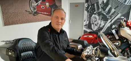Elvin (47) neemt motorzaak MotoPort in Hengelo over