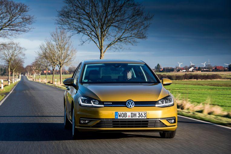 Tegen 2030 wil Volkswagen alleen nog maar elektrische wagens produceren.
