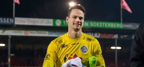 Wouter van der Steen (FC Den Bosch) tegen Nick Olij (TOP Oss): rust in de goal versus bravoure