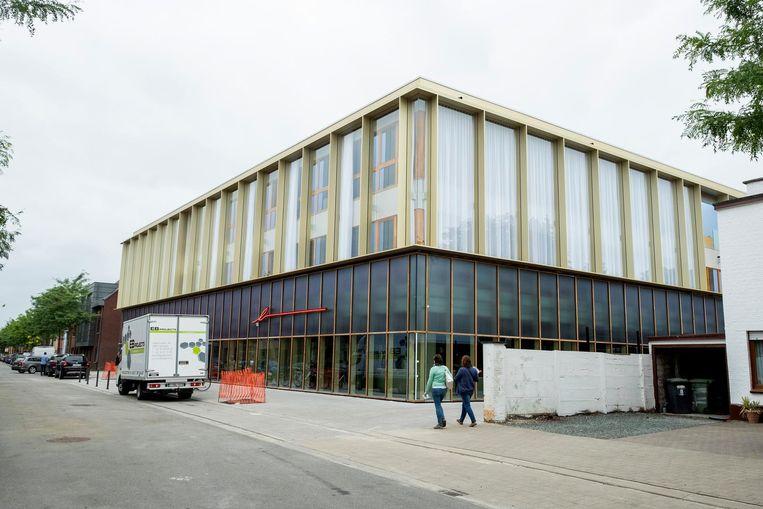 Brasschaat verwelkomt haar inwoners binnenkort in dit gebouw, dat zo'n 9,4 miljoen euro heeft gekost.