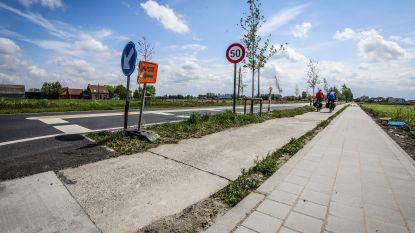 Slechte stukken voet- en fietspaden in Westkerksestraat aangepakt