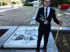 Joshua Kamp (19) baalt van slecht onderhoud oorlogsmonument Doorn