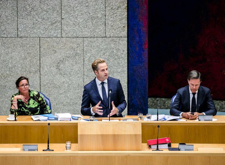 Tamara van Ark, Hugo de Jonge  en premier Mark Rutte in de Tweede Kamer. Beeld ANP