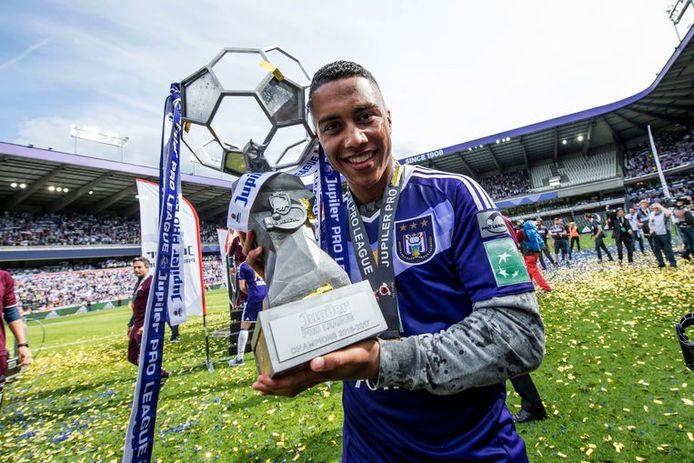Youri Tielemans, momenteel met Leicester op kop in de Premier League, is een van Anderlechts beste exportproducten.