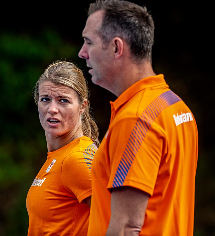 Dafne Schippers  traint op Papendal met Bart Bennema.