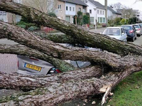 Procedure extreem weer van kracht in Zuidoost-Brabant, A2 en A58 dicht