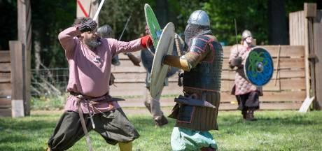 Zonnige zwaardgevechten tijdens Middeleeuws Festijn in Vaassen