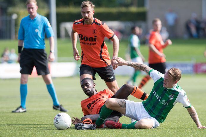Adriaan Kruisheer - hier nog in het shirt van Sparta Nijkerk - incasseerde met zijn club DVS'33 de tweede nederlaag op rij.
