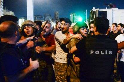 Nieuwe zuiveringsactie binnen rangen van Turkse leger: 219 soldaten gearresteerd