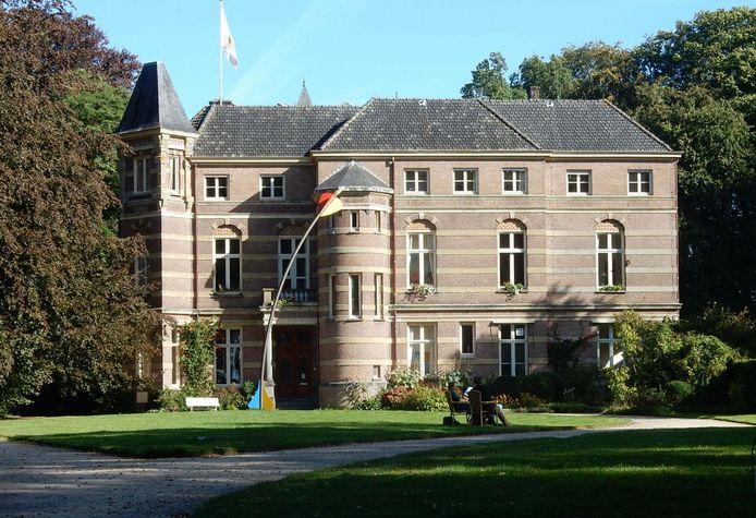 Kasteel Stoutenburg wordt vanaf september grondig verbouwd.