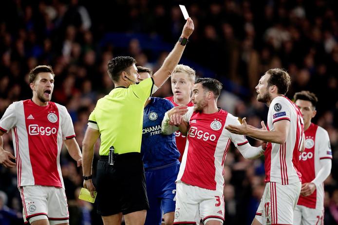 Les exclusions de Blind et Veltman coûtent cher à l'Ajax.