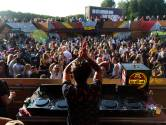 Dj's zwoegen de festivalloze zomer door: 'Het is niet alleen een financiële tegenvaller, maar ook een mentale'