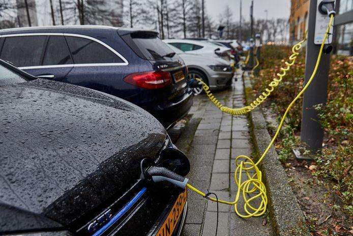 Het opladen van voertuigen wordt steeds populairder, verwacht de provincie Zuid-Holland.