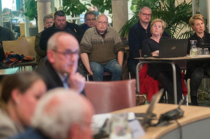 Bewoners van de Bloemenwijk in Schijndel luisterden enkele jaren terug in het bestuurcentrum te Sint Oedenrode naar de sprekers over een nieuw wijkgebouw.  Fotograaf: Van Assendelft/Jeroen Appels