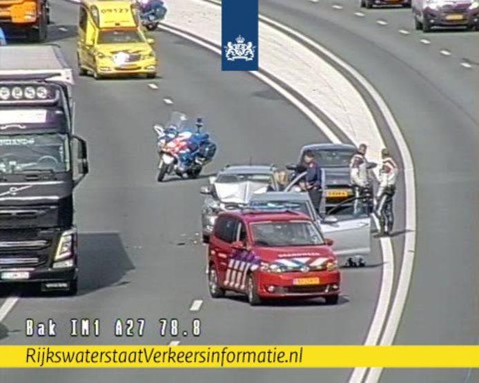 Drie auto's botsten op elkaar op de A27