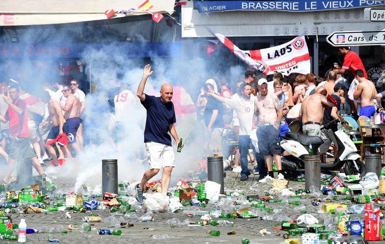 Engelse fans in de straten van Marseille Beeld null