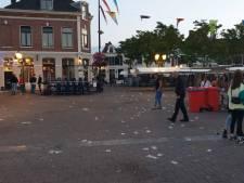 Marktplein na feestavond bezaaid met afval: 'In dertig jaar nog nooit zoiets meegemaakt'