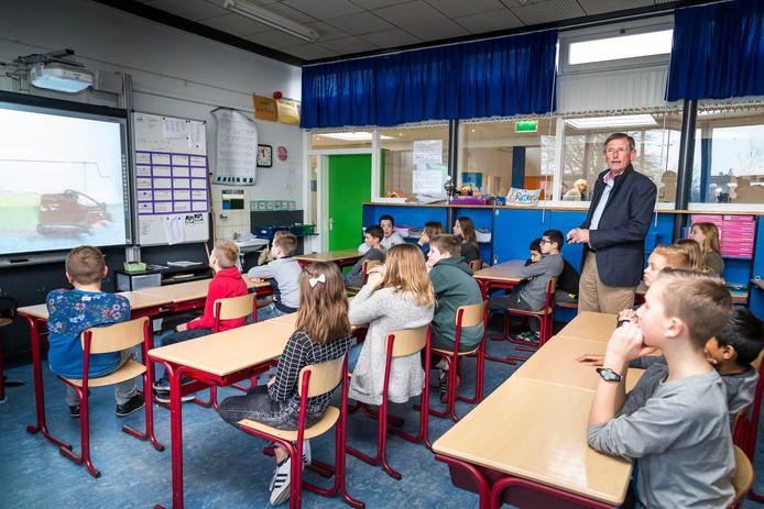 Twee klassen op basisschool Ter Tolne in Tholen zijn naar huis gestuurd vanwege twee zieke leerkrachten. Archieffoto.