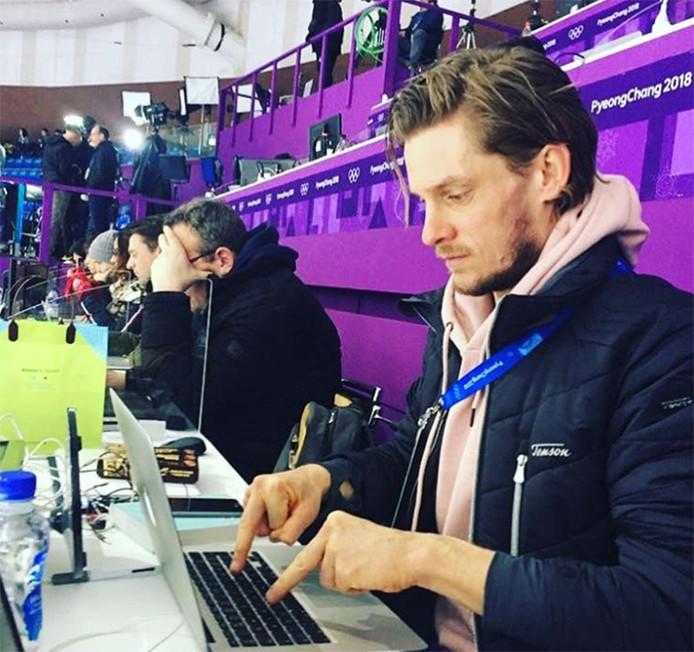 Verslaggever Thijs Zonneveld heeft zich een nieuwe manier van typen aangemeten.