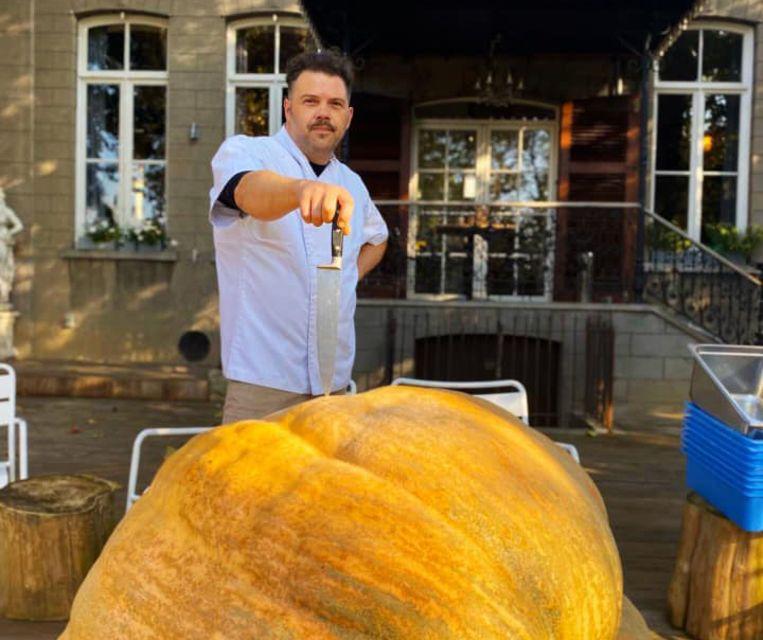 Stef verwerkte een 367 kilo zware pompoen tot soep.