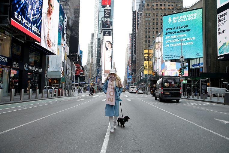 Een verlaten Times Square in New York.  Beeld Getty