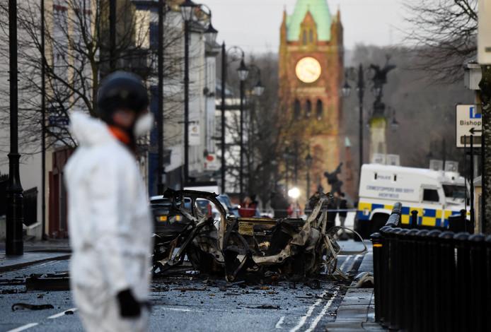 Bij de ontploffing van een autobom in Londonderry vielen geen gewonden.