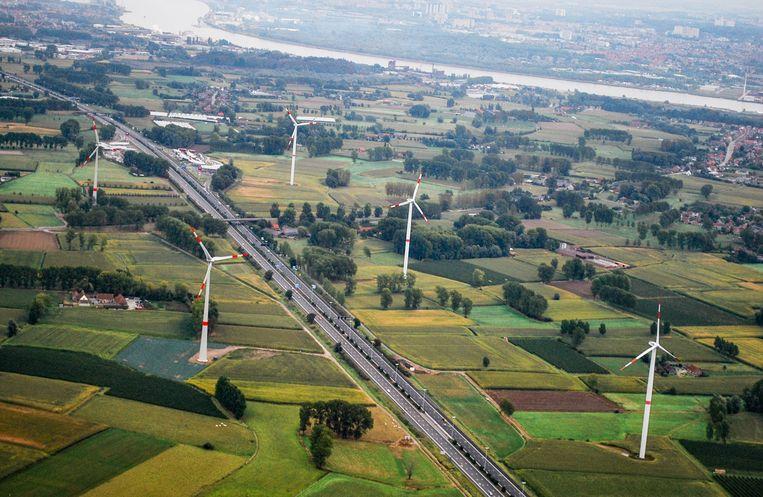 Van veel windturbines langs de E17 tot een groot stedelijk energiebedrijf: er zijn heel wat ideeën om van Sint-Niklaas een duurzamere stad te maken.
