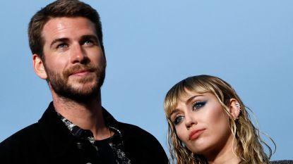"""Miley Cyrus openhartig over haar relaties: """"Ik heb Liam tien jaar lang voorgelogen dat hij niét mijn eerste keer was"""""""