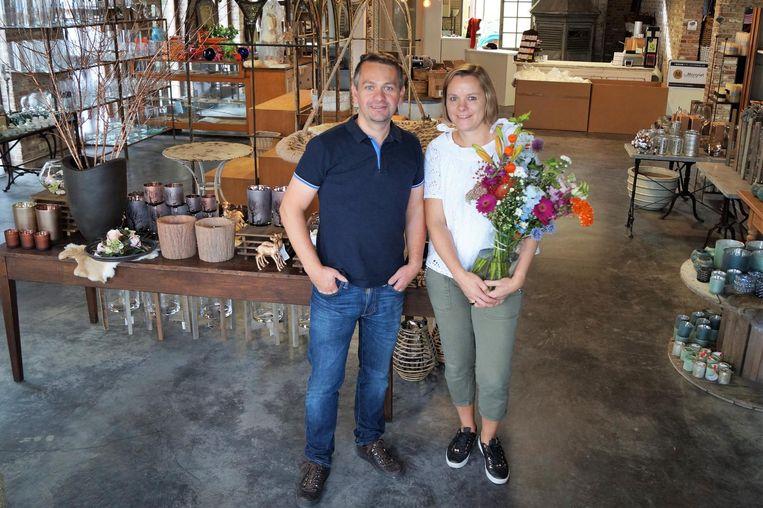 Sofie Pauwelyn en Sven Neirynck openen een tweede bloemenzaak in Lichtervelde.
