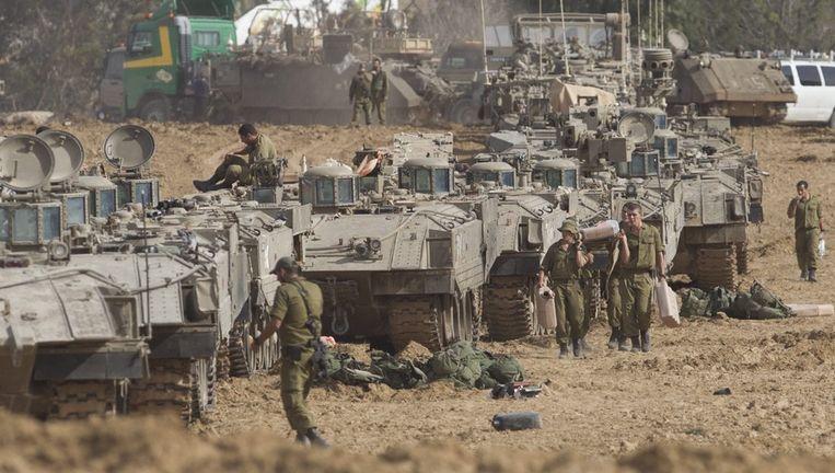 Israëlische militairen vandaag bij de grens aan de Gazastrook. Beeld epa