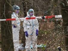 Speurhonden vinden menselijke resten in bos Ulvenhout