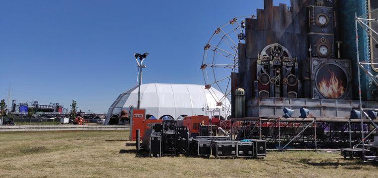De Legend Stage, met reuzenrad in de achtergrond (nummer 4 op de legende).