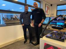 Oude Rotterdamse radiopiraat maakt comeback en knalt nu techno door de speakers