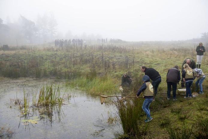 Natuurliefhebbers genieten in Leende. foto Jean Pierre Reijnen