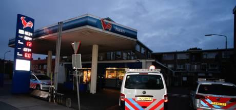 Man met mes pleegt overval op tankstation aan Merwedestraat