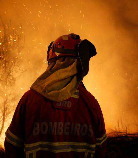 Voetballers staan stil bij slachtoffers bosbranden Portugal en Spanje