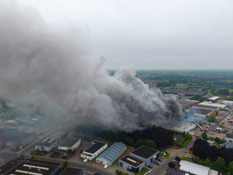 Asbest vrijgekomen na zeer grote brand in Vorden