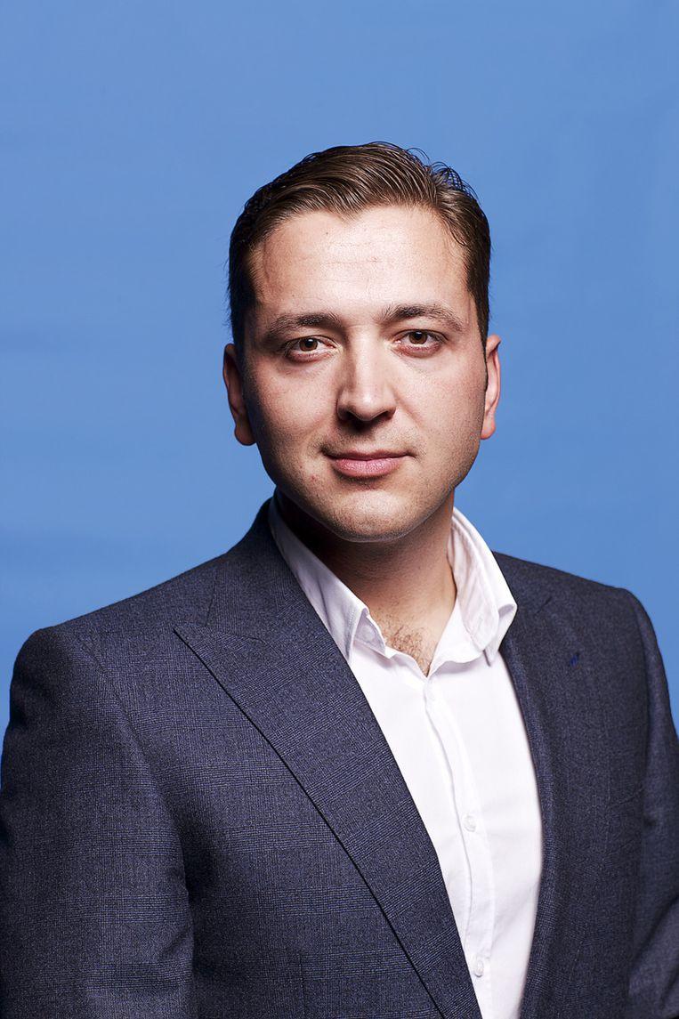 Ünver werd opeens aangevallen door enkele Turkse jongeren, die hij omschreef als rechts-radicaal Beeld Wikimedia Commons