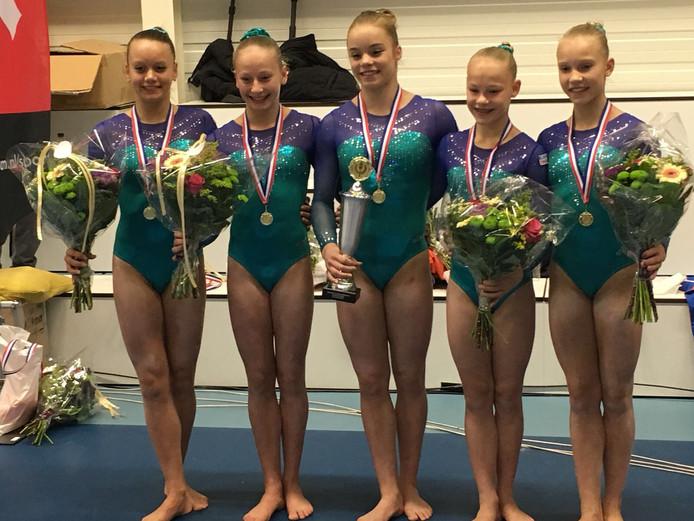 Dit team van TON Almelo pakte zaterdag goud op de Nederlandse Kampioenschappen Teams.