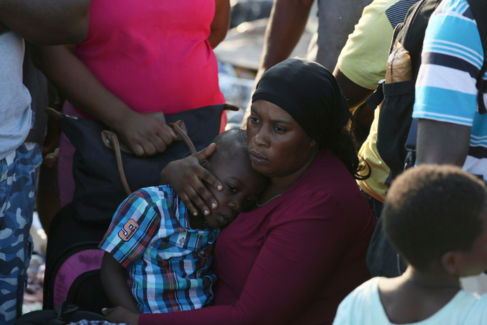 A Marsh Harbour, les sinistrés attendent dans des conditions déplorables qu'on leur vienne en aide