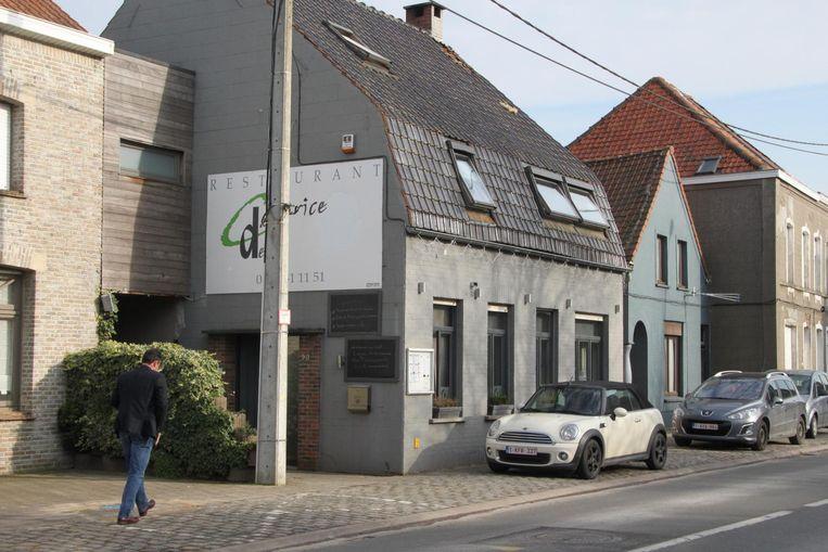 De brand brak uit boven restaurant Caprice des Deux in Spiere.