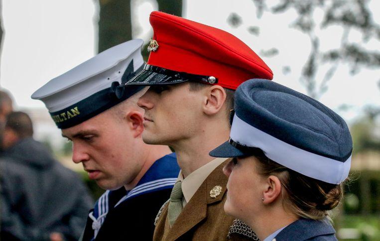 Zelfs Britse militairen kwamen hun medeleven betuigen voor de vroegere vijand.